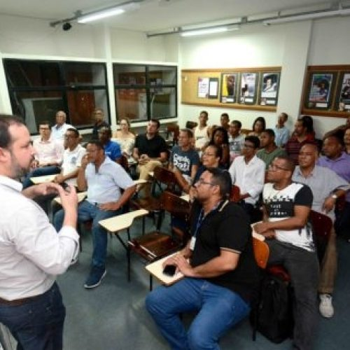 População tira dúvidas sobre obras do BRT de Salvador em reuniões nos bairros