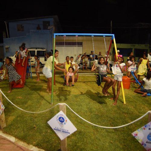 Praça em Mussurunga ganha parque infantil e equipamentos de ginástica