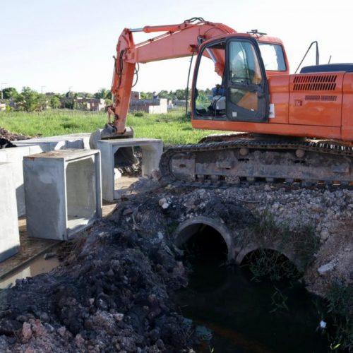 Camaçari: Prefeitura realiza obras de drenagem no Parque das Mangabas